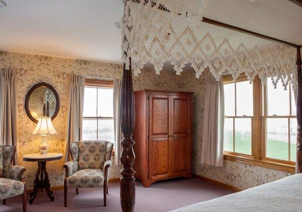 Room 10 036